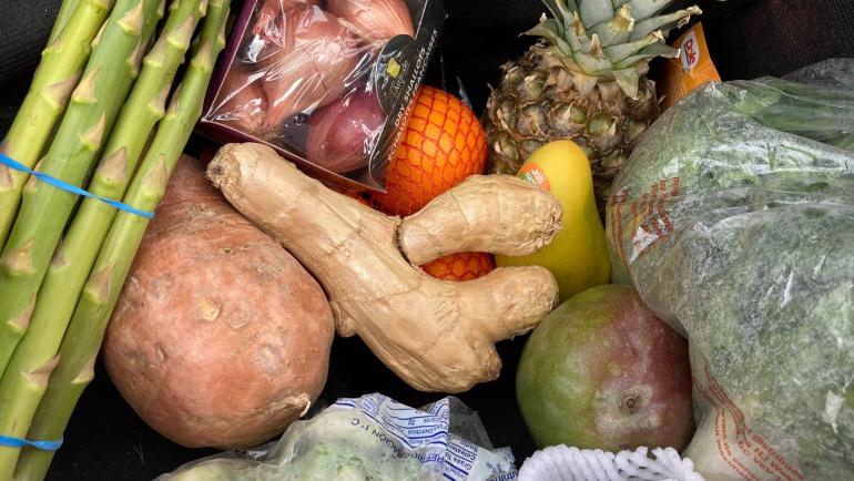 De bons légumes et de magnifiques fruits gratuits!